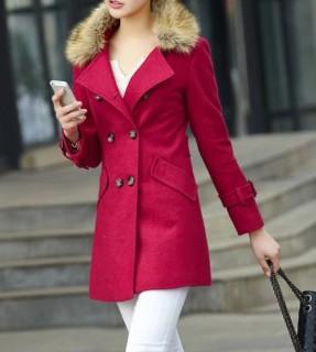Moteriškas vilnos paltas su kailiuku