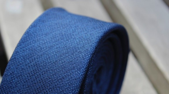 Subtilus vyriškas kaklaraištis