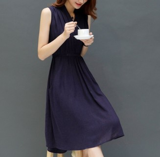 Elegantiška mėlyna medvilninė suknelė