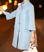 Lengvas pavasarinis paltukas su dailia apykakle
