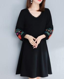 Elegantiška suknelė moterims