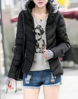 Šilta striukė su dailia apykaklė