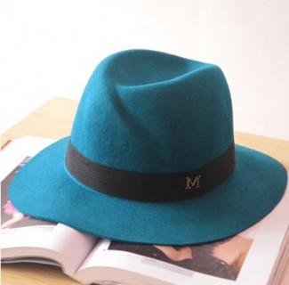 Vilnonė retro stiliaus skrybėlaitė