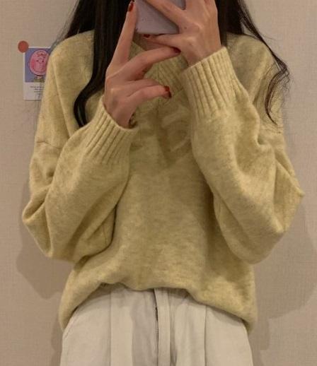 stilingas_megztinis